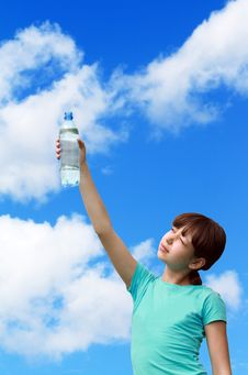 Free Girl With Mineral Water Royalty Free Stock Photos - 9690148
