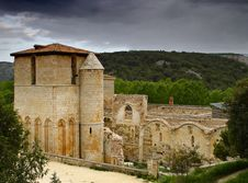 Free The Monastery Of San Pedro De Arlanza In Burgos Royalty Free Stock Photography - 9693367