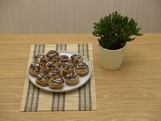 Free Plateful Of Muffins On A Table Royalty Free Stock Images - 9693459