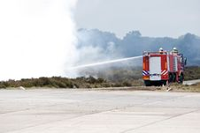 Free Dutch Fire Fighter Truck Royalty Free Stock Photo - 9697095