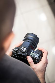 Free Photograph, Photography, Single Lens Reflex Camera, Hand Stock Photography - 96922232