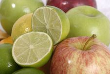Free Close-up Of Lime Slice 5 Stock Photos - 970773