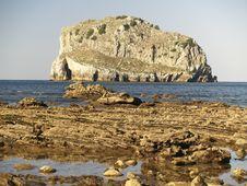 Free Isla Villano Rock Island Royalty Free Stock Image - 973816