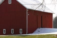 Free Red Barn In Winter Royalty Free Stock Photo - 974815