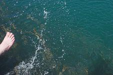 Free Girl Splashing Water Stock Photos - 977453