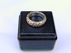 Free A Ring On A Box Royalty Free Stock Photos - 979848