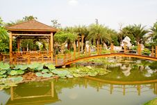 Free The Wood Bridge And Pavilin In Pond Royalty Free Stock Images - 9703759