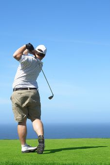 Free Golfer On The Tee Box Royalty Free Stock Images - 9706799