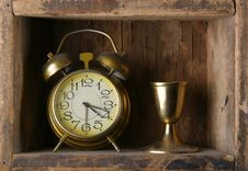 Free Old Dusty Alarm Clock Royalty Free Stock Images - 9709059