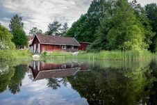 Free Cabin Cottage Lake Stock Images - 97009054