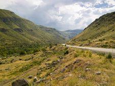 Free Mountain Empty Route Royalty Free Stock Image - 9710706