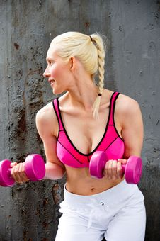 Free Blond Woman Working Out Royalty Free Stock Images - 9714619