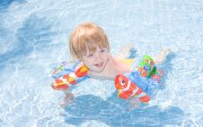Free Little Girl In The  Pool Stock Photo - 9716200