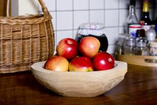 Apples In Wooden Pan Royalty Free Stock Photography
