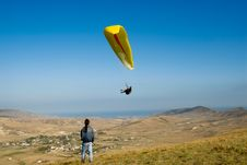 Free Paraplane In The Sky Of Crimea Royalty Free Stock Photo - 9717215