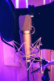 Free Silver Recording Microphone Royalty Free Stock Image - 97187206