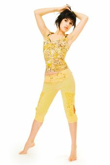 Free Girl In Yellow Royalty Free Stock Photos - 9727178