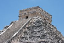 Free Chichen Itza Pyramid Royalty Free Stock Images - 9727239