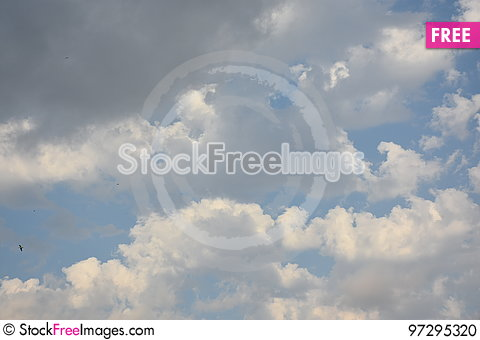 Free White Cloud In Dark Blue Sky Stock Photo - 97295320