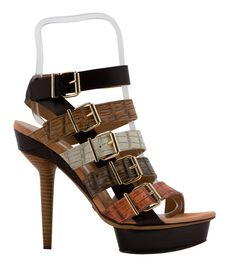 Free Womanish Shoes Royalty Free Stock Images - 9730609