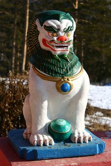 Free Lion A Buddhism Statue Royalty Free Stock Photos - 9731858