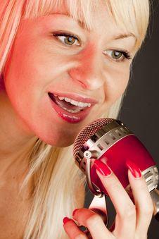 Free Singer Royalty Free Stock Image - 9732946