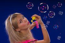 Free Soap Bubbles Royalty Free Stock Photos - 9733738