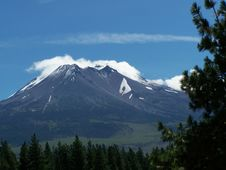 Free Mount Shasta Vista Royalty Free Stock Photo - 9737975