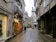 Free Modern Languages @ FLCC Study Abroad In Rennes & Paris, France Stock Photography - 97312402