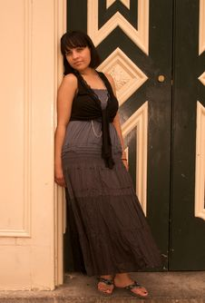 Free Girl In Doorway Royalty Free Stock Images - 9741019