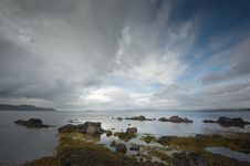 Free Seascape With Rocks In Broadford Royalty Free Stock Images - 9745339