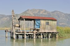 Free Wooden Fishermen S Hut On Stilts Royalty Free Stock Photography - 9747207