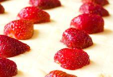 Free Strawberry Cake Stock Photo - 9749940