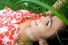 Free Graceful Woman On Grass Royalty Free Stock Images - 9753999