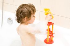 Free Baby Girl In Bath Stock Images - 9754124