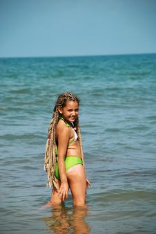 Free Girl And The Sea Stock Images - 9754474