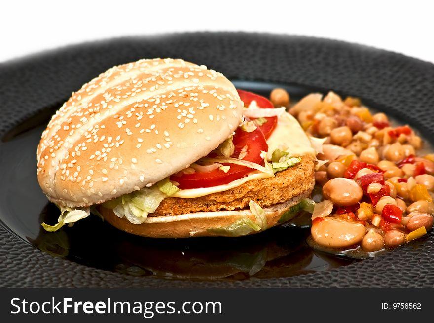 Chicken burger with bean sallad