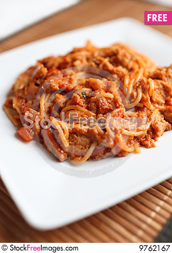 Free The Macaroni With The Sauce Royalty Free Stock Photography - 9762167