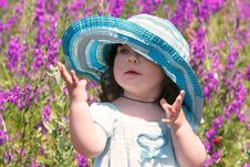 Free Cute Girl In Blue Panama Stock Photography - 9761762