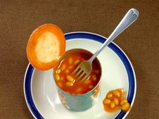 Free Meal Of Baked Beans Royalty Free Stock Photo - 9764255