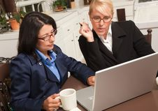 Free Businesswomen Working On The Laptop Royalty Free Stock Photography - 9769957