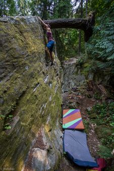 Free Bouldering-27 Royalty Free Stock Images - 97650369