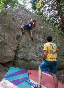 Free Bouldering-23 Stock Photo - 97650680
