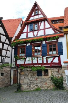 Free Old Timbered House Royalty Free Stock Image - 9775366