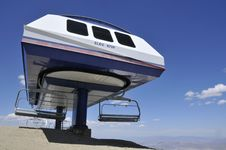 Free Mountain Ski Chair Lift Station Stock Images - 9775824