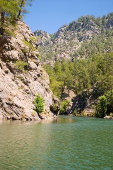 Free Mountains Lake Royalty Free Stock Photos - 9777338