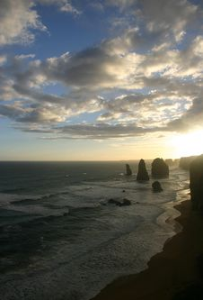 Free Dusk Over The Twelve Apostles Royalty Free Stock Photo - 9786995