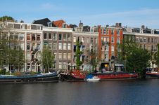 Free Old Canal Houses In Amsterdam At The Water Royalty Free Stock Photos - 9794888