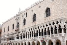 Free Doge S Palace In Venice, Italy Royalty Free Stock Photography - 9799217