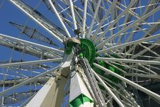 Free Ferris Wheel Center Stock Photography - 980472